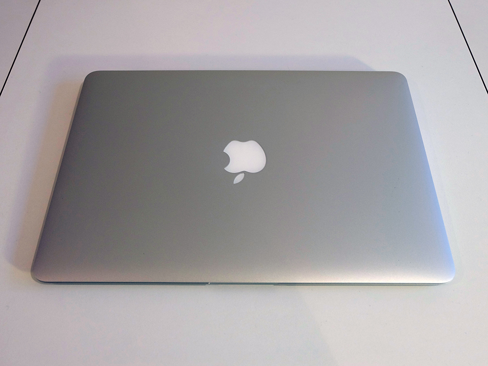 Mid 2013 MacBook Air with closed lid
