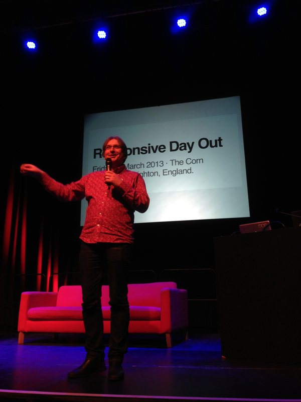 Jeremy Keith introducing Responsive Day Out